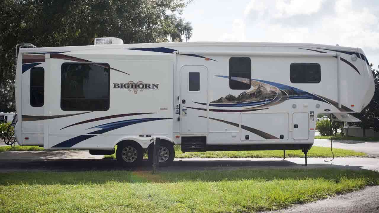 Essentials When Buying New And Used Caravans And Motorhomes